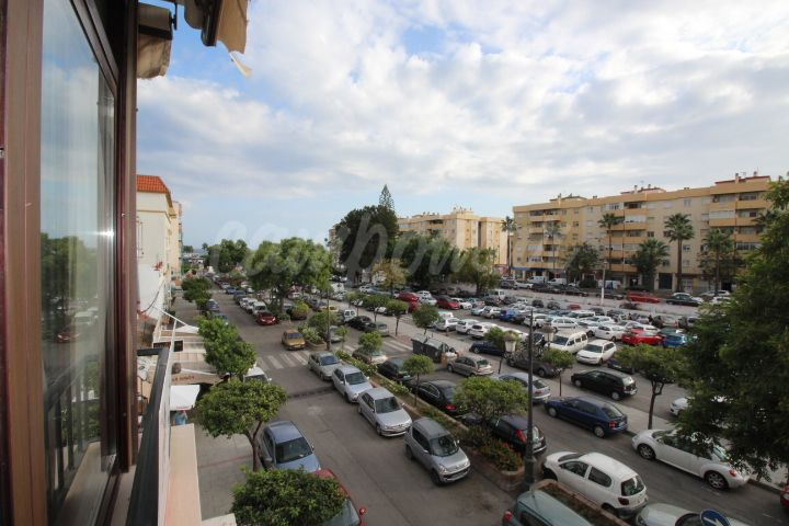 Estepona, Apartment for sale near the beach in Estepona.