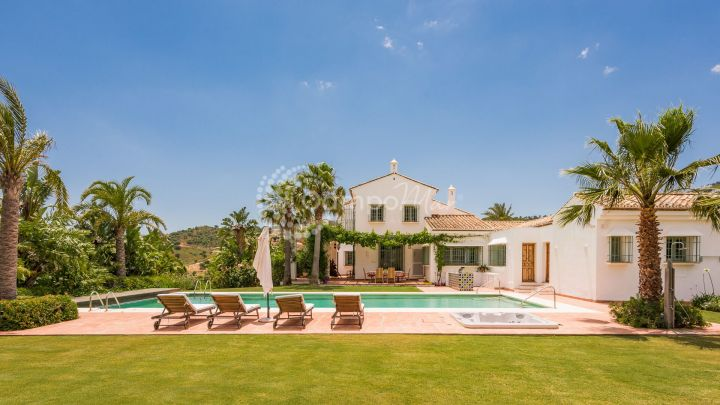 Marbella East, Fabulous country home, located in beautiful Spanish Hills of Andalucia, less than 10 minutes from the coast.