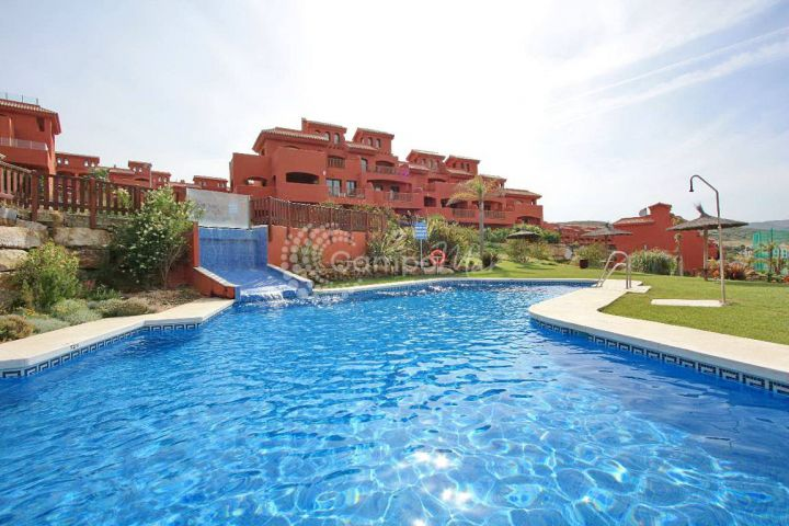 Estepona, Bright and spacious apartment available in Costa Galera, Estepona