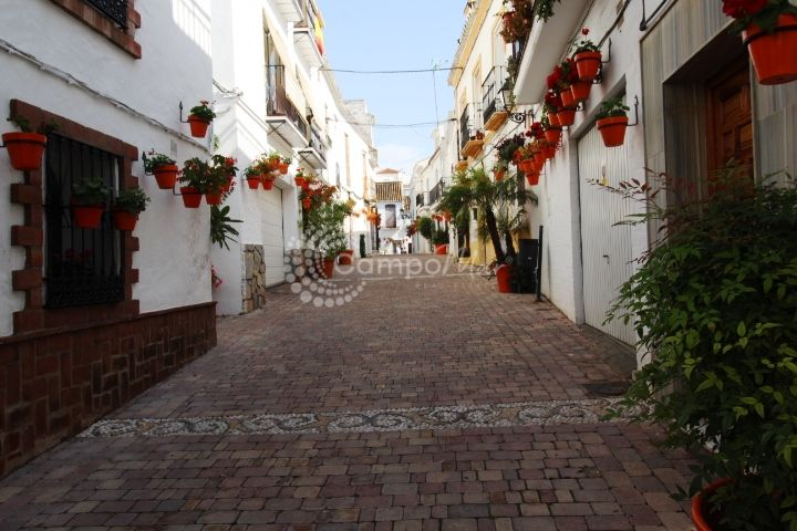 Estepona, Apartmet for sale in the historical center of Estepona at an irresitible price