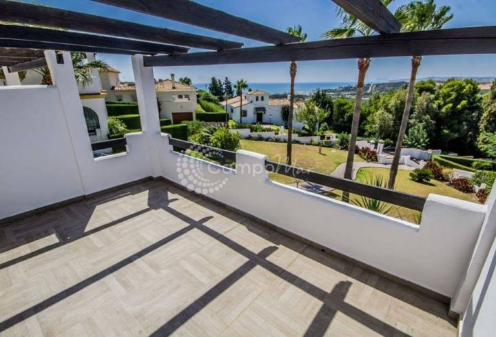 Estepona, Stunning views from this renovated town hosue in Estepona.