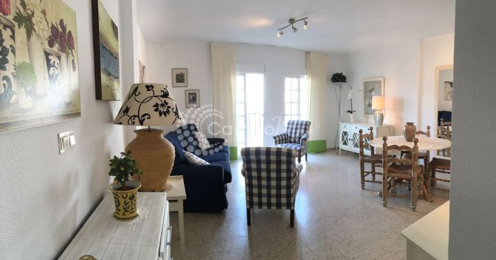 Estepona, Second line to the beach in the heart of Estepona, apartment for sale
