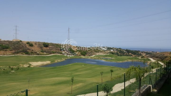 Estepona, Fantastic opportunity front line to Estepona´s newest golf course