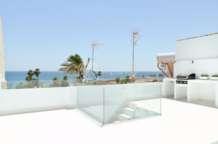 Estepona, Town house completely renovated with view to the sea