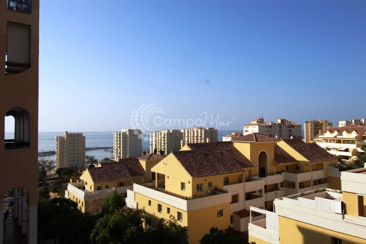 Estepona, Apartment for sale in the popular Puerto Blanco development, Estepona Port.