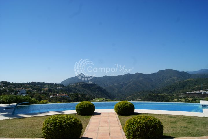 Benahavis, Stunning luxury Villa for sale in La Zagaleta