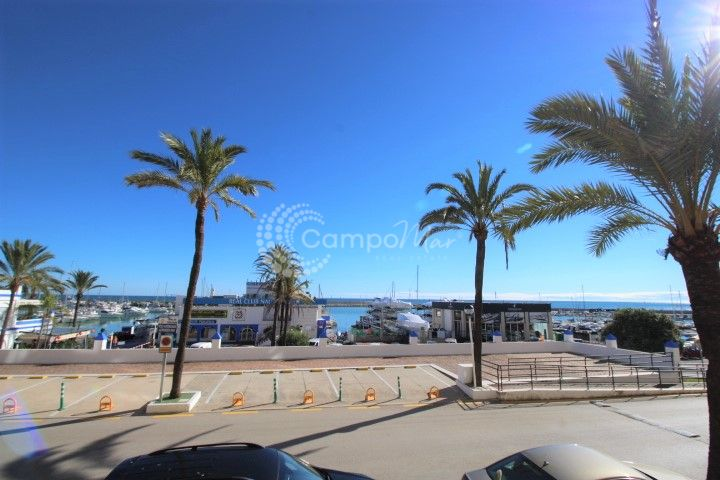 Estepona, Perfect location apartment for sale in Estepona