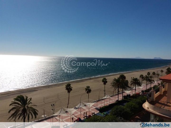 Estepona, Beachfront apartment available for rent in the heart of Estepona