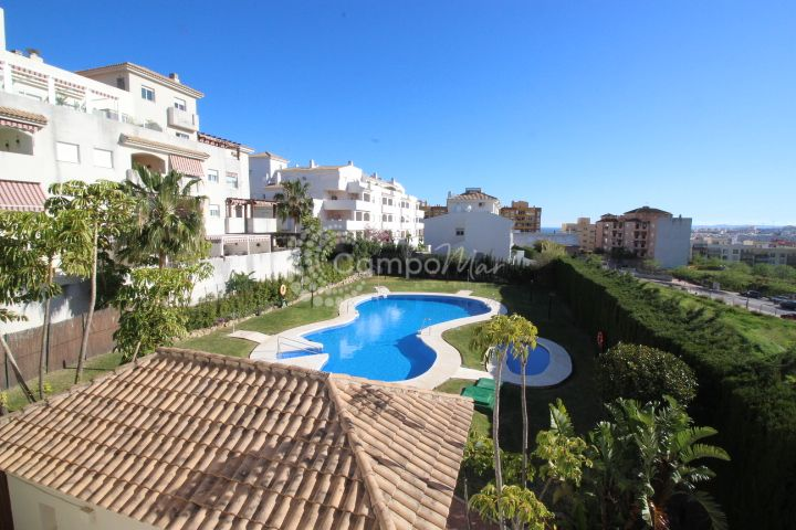 Estepona, Large family town house great location with everything within walking distance in Estepona
