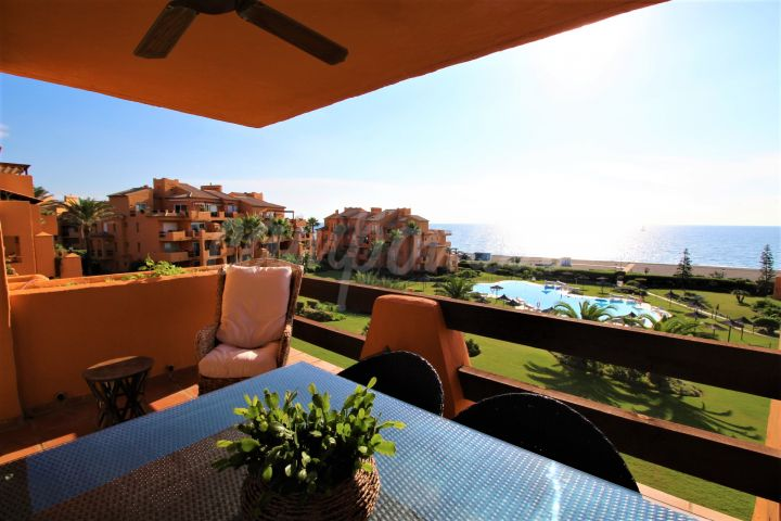 Manilva, Fantastic beach front location in La Duquesa