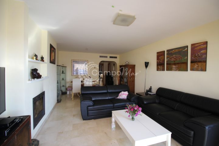 Estepona, Top floor Apartment close to Estepona. Exceptional views. South facing. Low cost community.