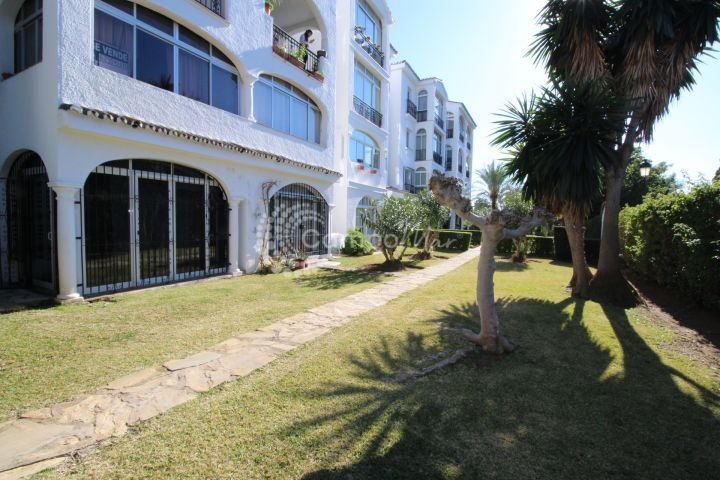 Estepona, Studio apartment available in popular El Paraiso area