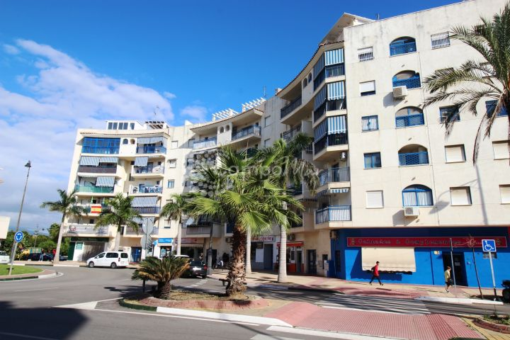 Estepona, Fantastic priced apartment close to the marina of Estepona.