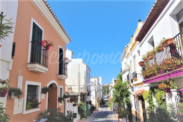 Estepona, Large family home in the heart of Estepona´s Old Town