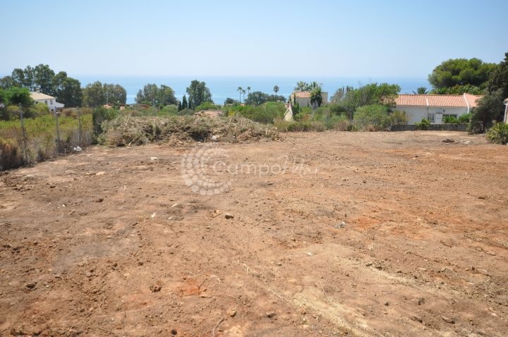 Sotogrande, Fantastic building plot for independant villa in San Diego, Sotogrande with great sea views