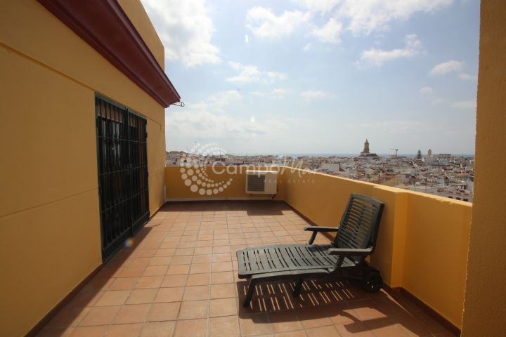 Estepona, Penthouse for long term rental in Estepona centre