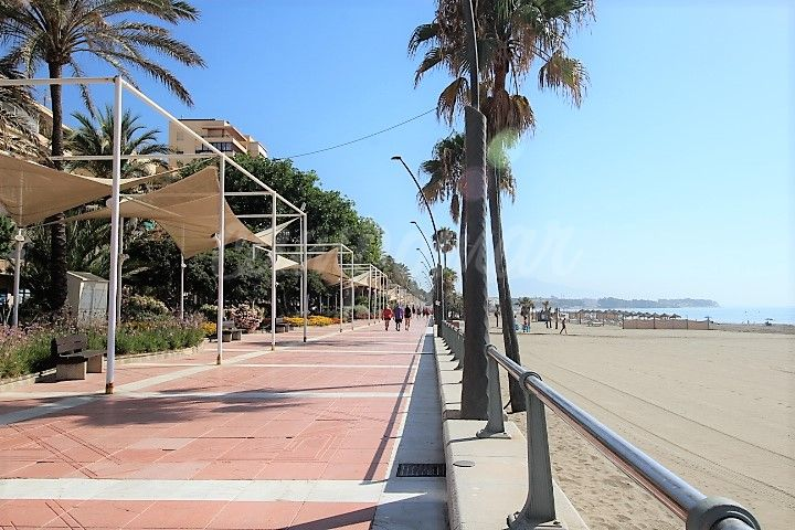 Estepona, Apartment for sale 20 metres away from the beach in Estepona