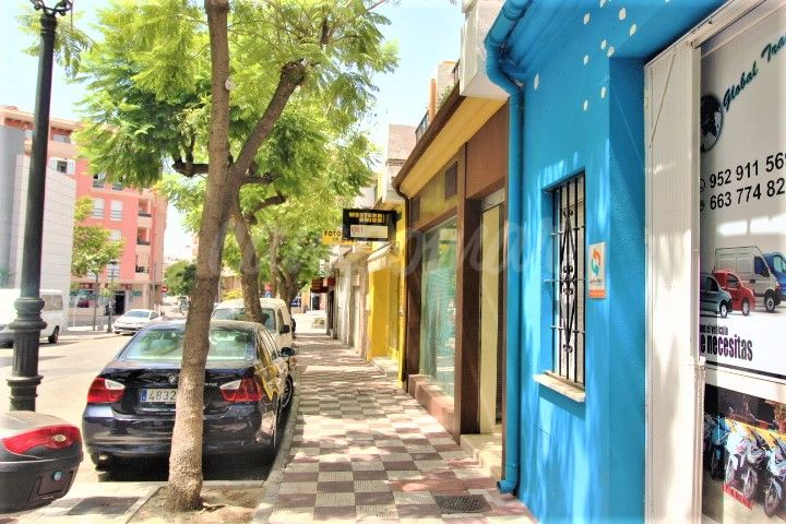 Estepona, Commercial premises for sale in an unbeatable area of Estepona