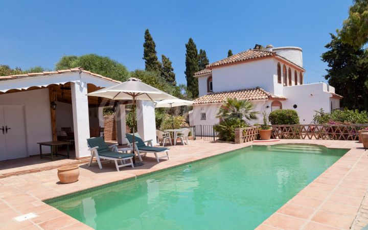 Estepona, Beautiful rustic villa in the heart of Valle Romano...