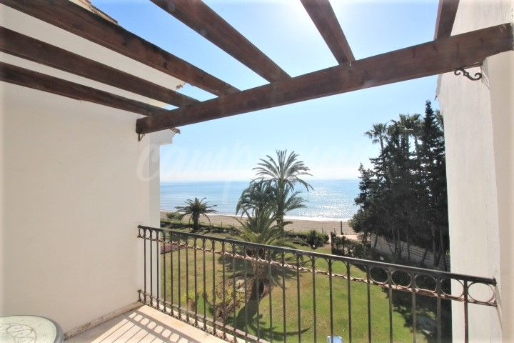 Estepona, Front line apartment available for long term rent