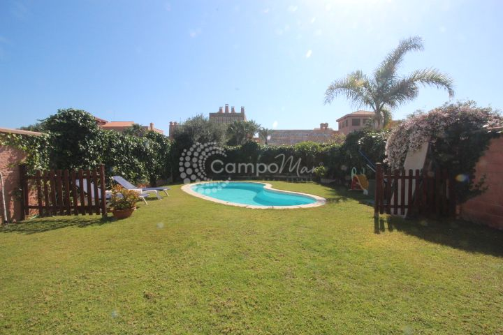 Estepona, Large family house for sale in Don Pedro, Estepona