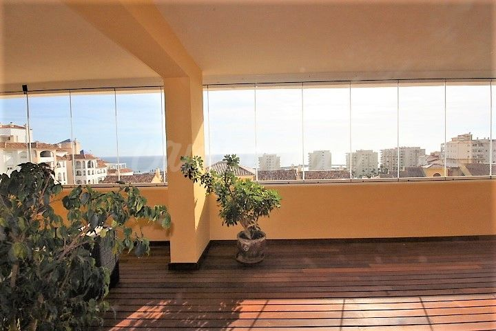 Estepona, Penthouse for sale in the port of Estepona