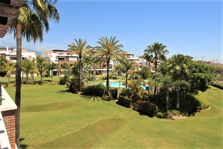 Estepona, Stunning 3 bedroom penthouse for sale in Palm Gardens, Estepona. Recently reduced for a motivated quick sale.
