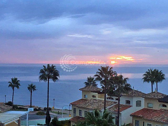 Penthouse for sale in Bahia de la Plata - Estepona Penthouse