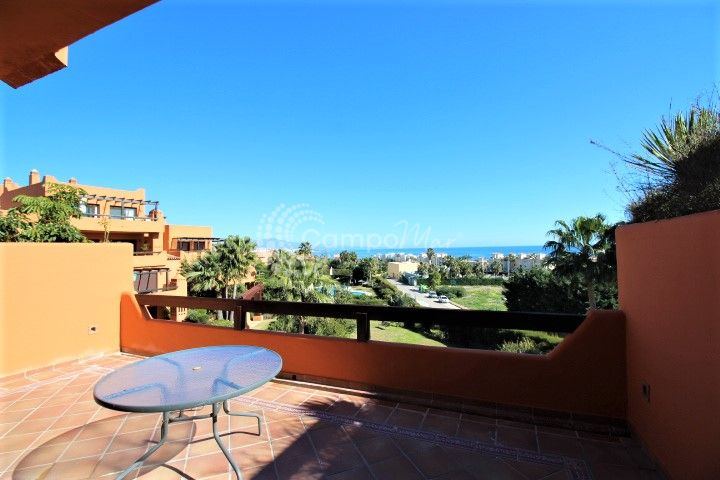 Estepona, Apartment with great views in La Galera