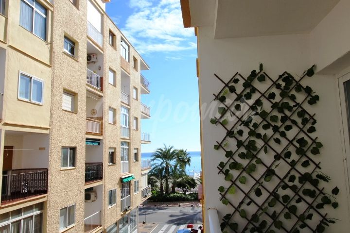 Estepona, Fantastic holiday apartment just off the promenade in Estepona