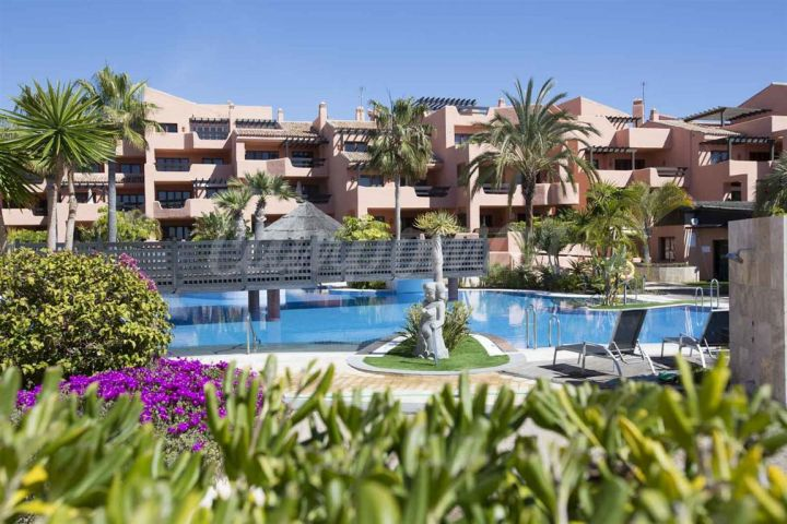 Estepona, Luxury apartments for sale in Mar Azul, Estepona