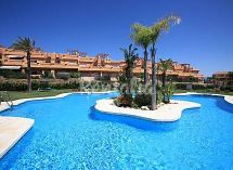 Estepona, Beautiful town house for sale in Galera Park, Estepona