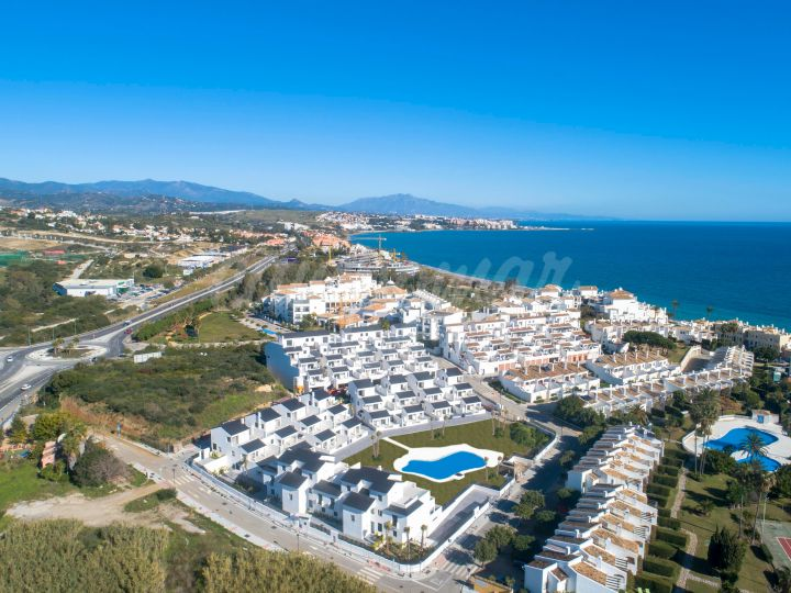 Estepona, Beachside new development just a short drive from the heart of Estepona