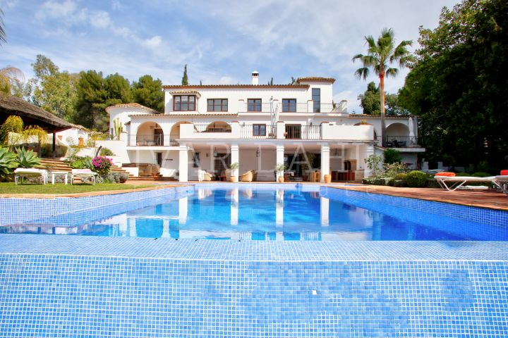 Villa in Urbanization La Carolina, on the Golden Mile, Marbella, Malaga, Costa del Sol