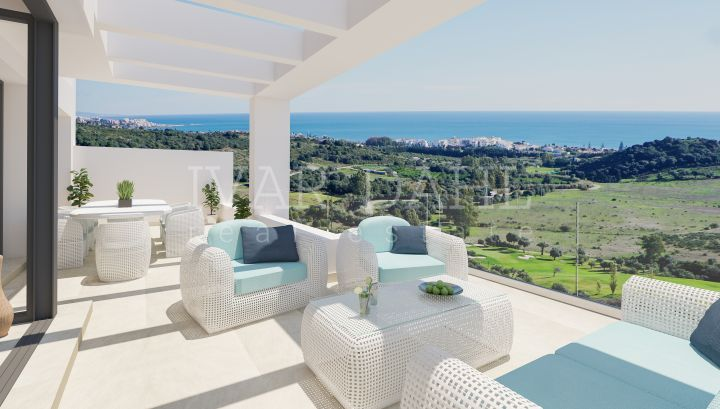 New modern front line golf apartments and penthouses with sea views is Estepona, Malaga