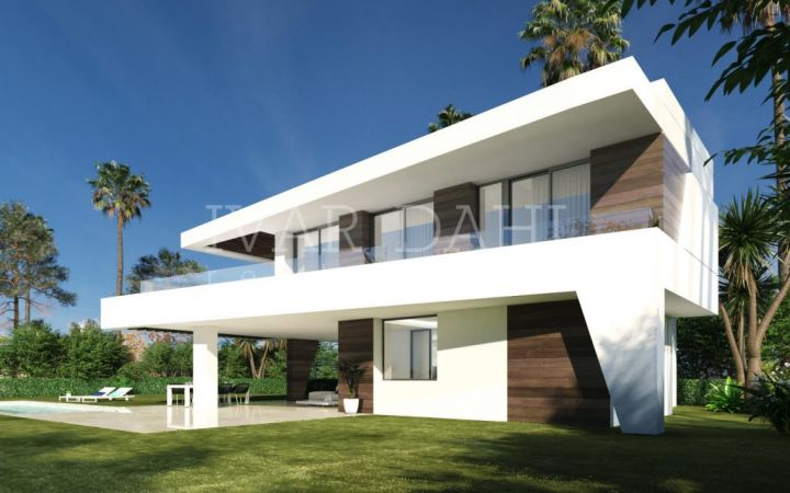 New contemporary Villas next to golf course in Estepona