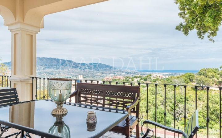 Villa located in beautiful La Mairena at Elviria and on the East side of Marbella