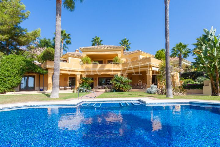 Villa in Urb. Altos Reales, Marbella