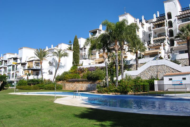 Apartment with sea views in Urb. Sitio dec Calahonda, Mijas-Costa
