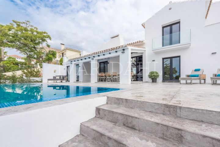 Villa for sale in Marbella Hill Club, Marbella
