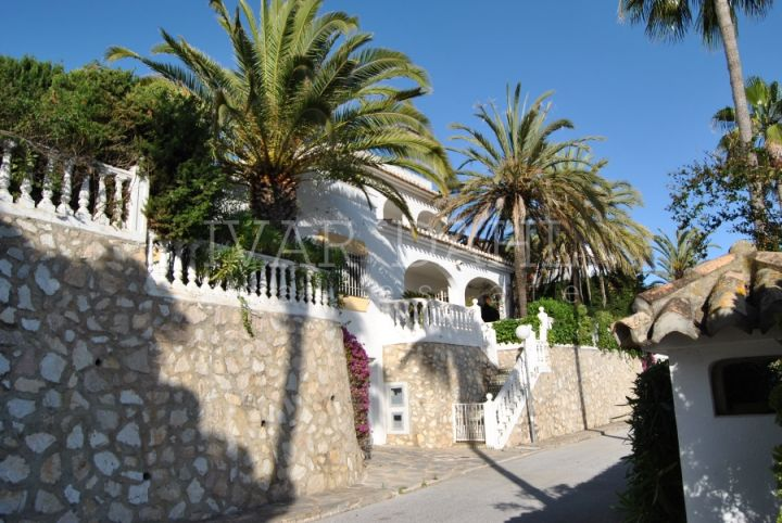 Villa for sale in Calahonda, Mijas Costa