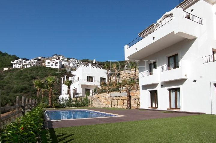 Benahavis, New Villas with sea views