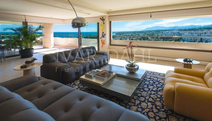 Marbella centre. Beachside 4 bedroom Penthouse with wonderful sea views