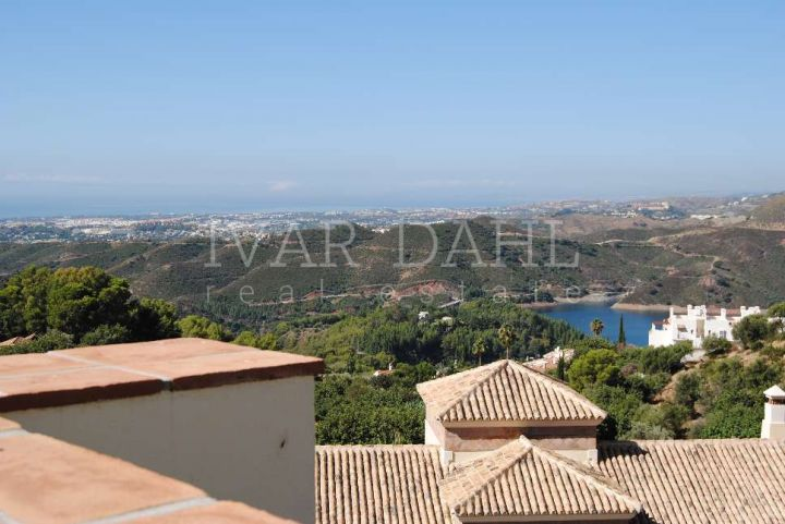 Villa for sale in Sierra Blanca Country Club, Istan