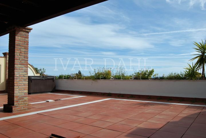 Penthouse for sale in Las Lomas de Marbella, Marbella Golden Mile