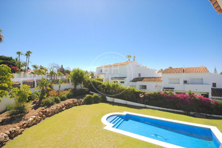Spacious 4 bedroom villa in the heart of Nueva Andalucia