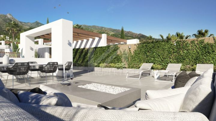 Contemporary semi-detached villa just below Sierra Blanca