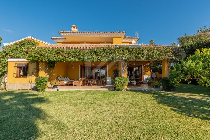 Properties for sale in El Capricho, Marbella Golden Mile