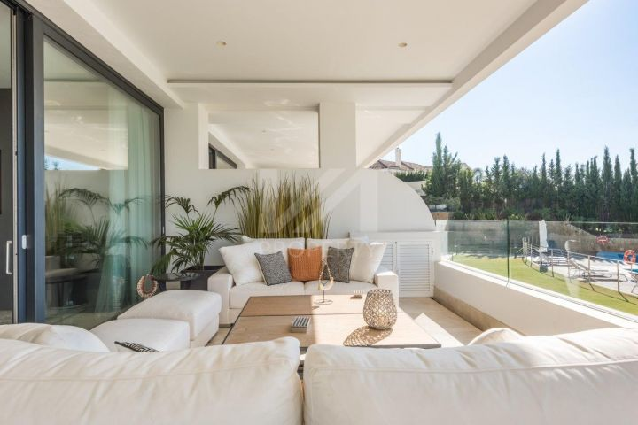 State-of-the-art, luxurious duplex ground floor apartment in Sierra Blanca - Marbella