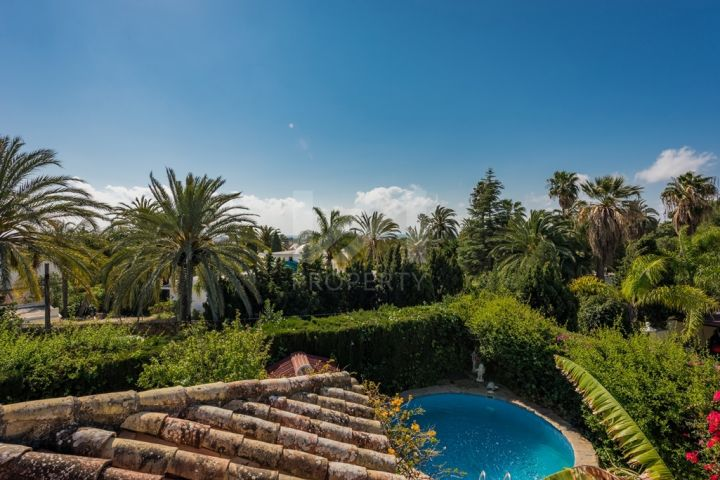 Properties for sale in El Pilar, Estepona